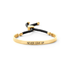 Armband Never give up 8KM-BC0035